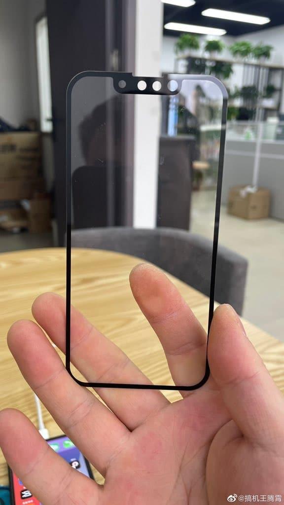 o koľko sa zmenší výrez pri iPhone 13