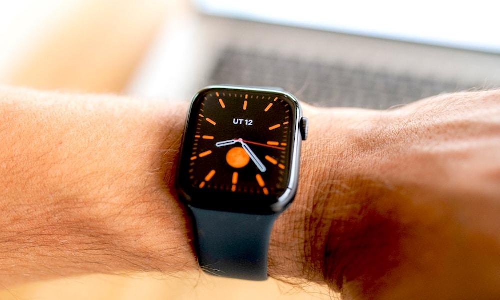 Tmavý ciferník Apple Watch